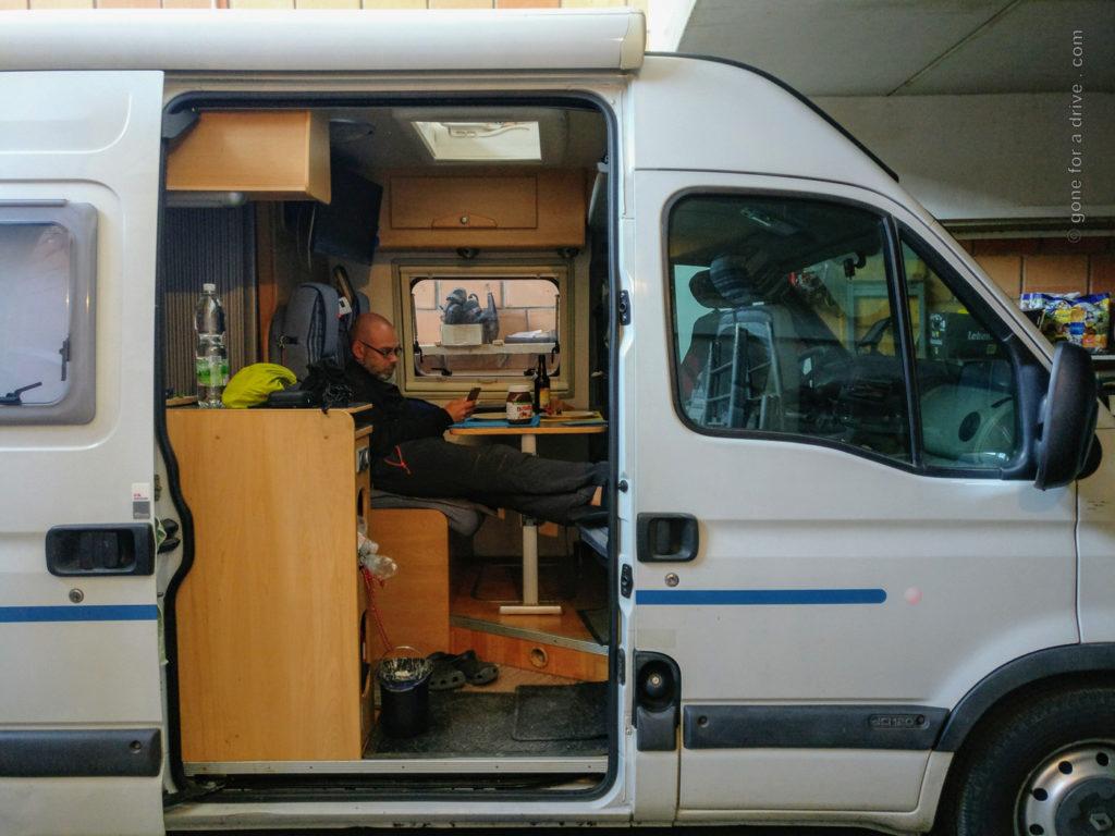 COVID-19: Als Reiserückkehrer 14 Tage Quarantäne in Deutschland. Darf auch  im Wohnmobil verbracht werden.