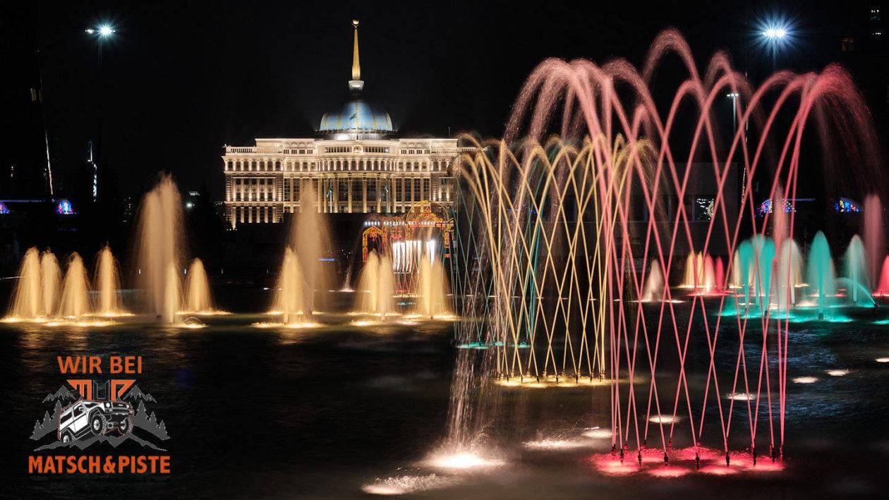 Ak-Orda-Präsidentenpalast und singender Springbrunnen in Nur-Sultan